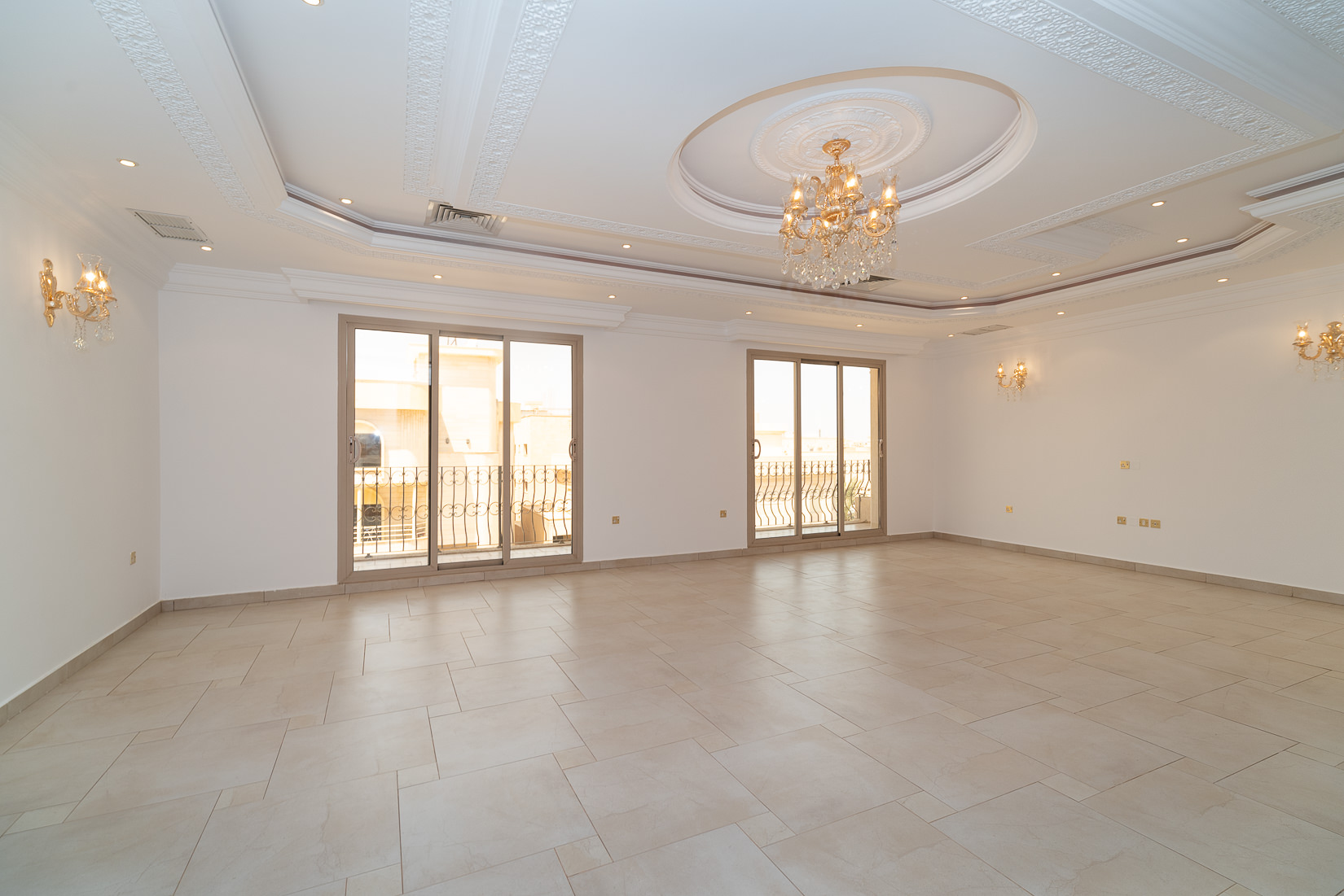 Salwa – great, spacious, four bedroom floor w/balconies