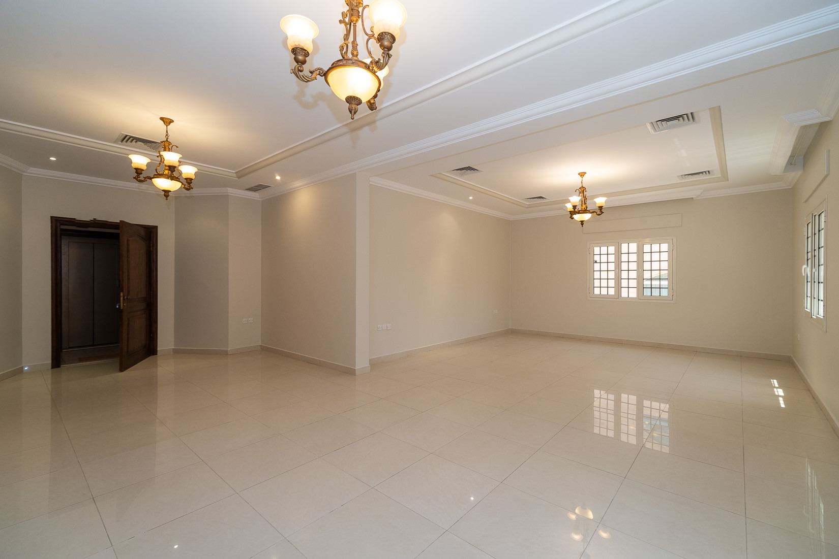 Jabriya – spacious, birght, three bedroom apartment