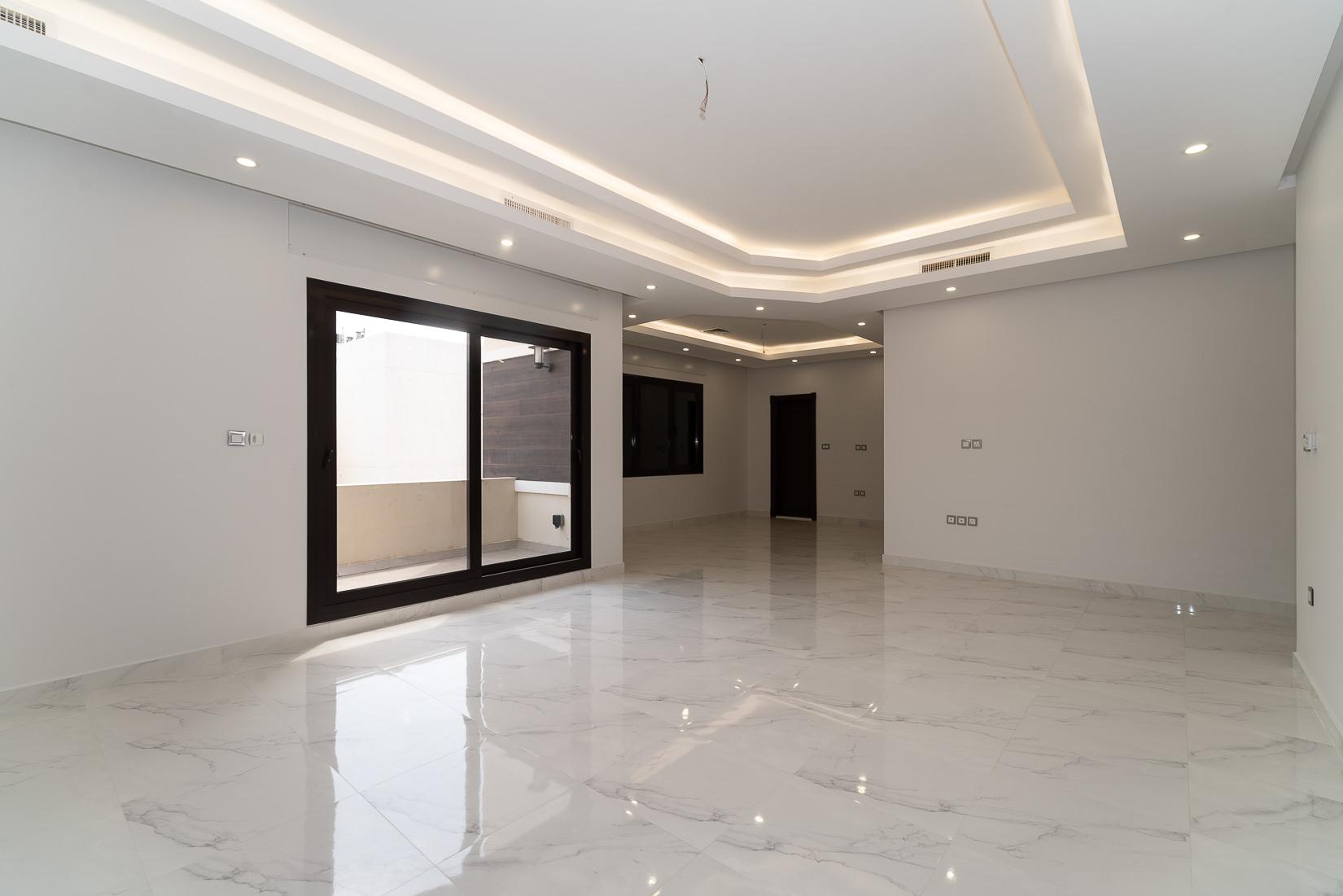 Siddeeq – lovely, new, four bedroom floor w/balcony