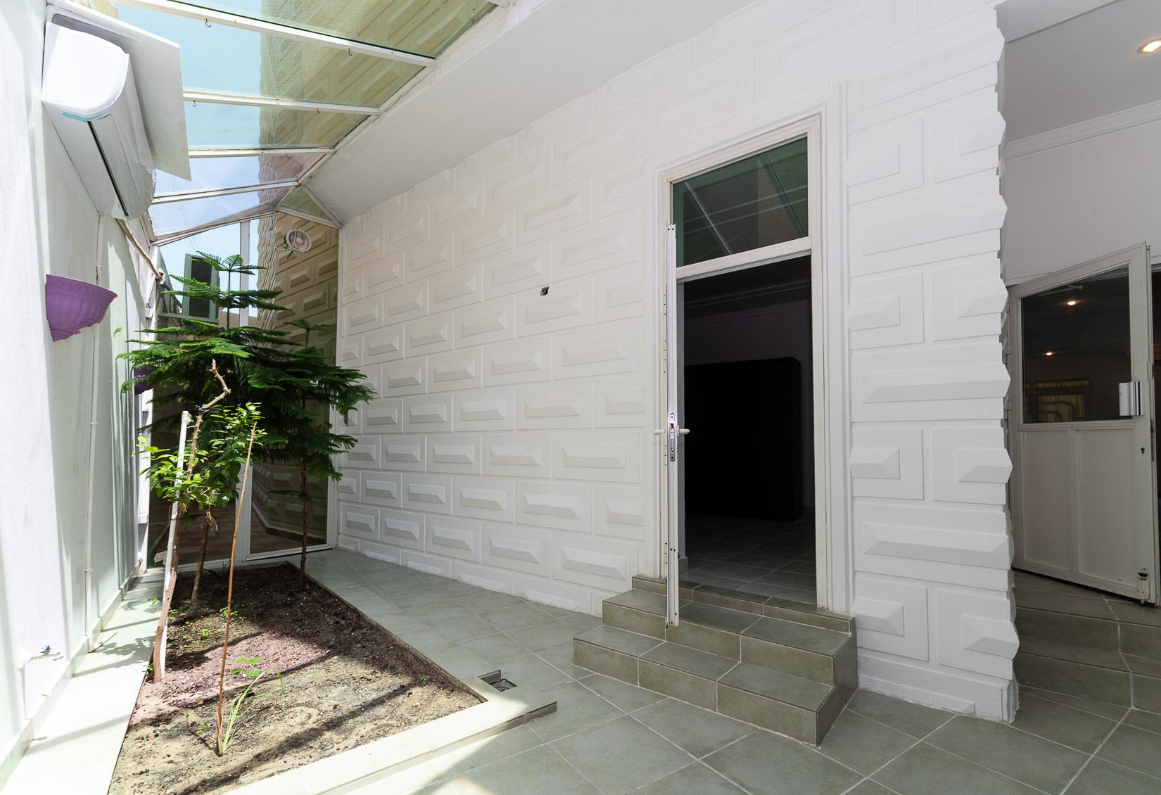 Salwa – unfurnished, ground floor apartment