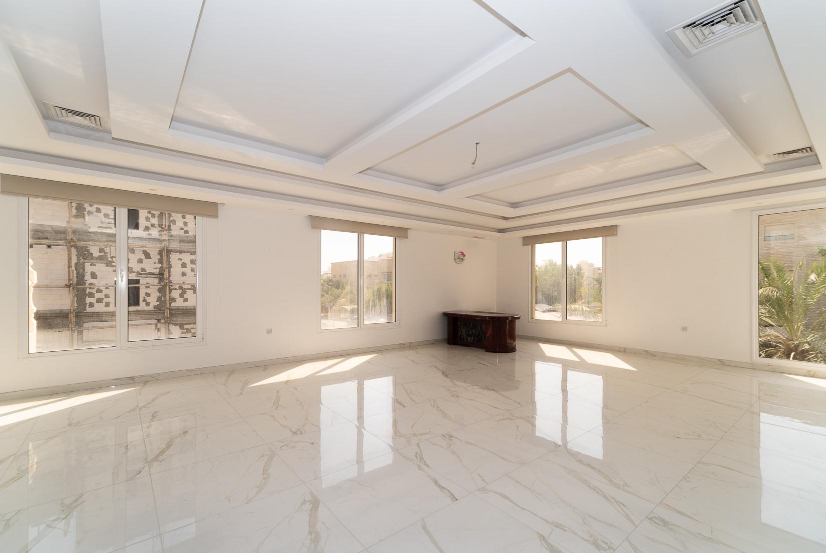 Rumaithiya – new, spacious, sunny, four bedroom floor
