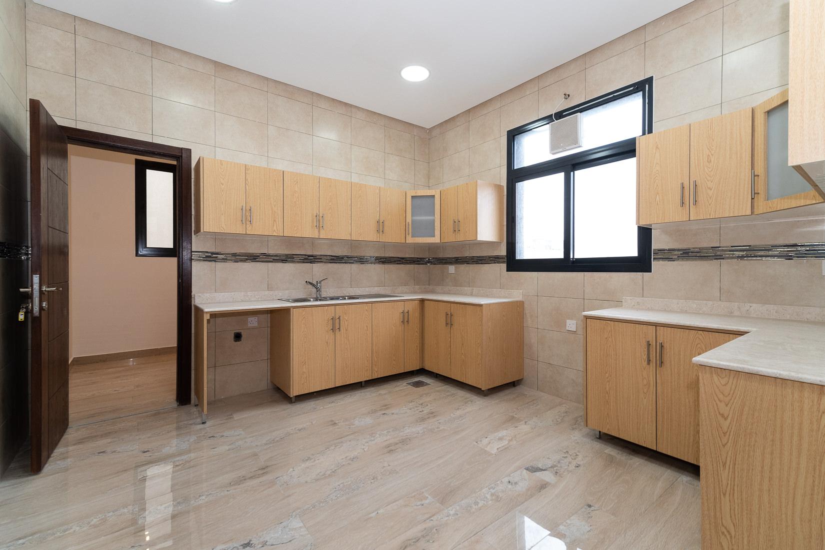 Fnaitees – new, three bedroom duplex apartment