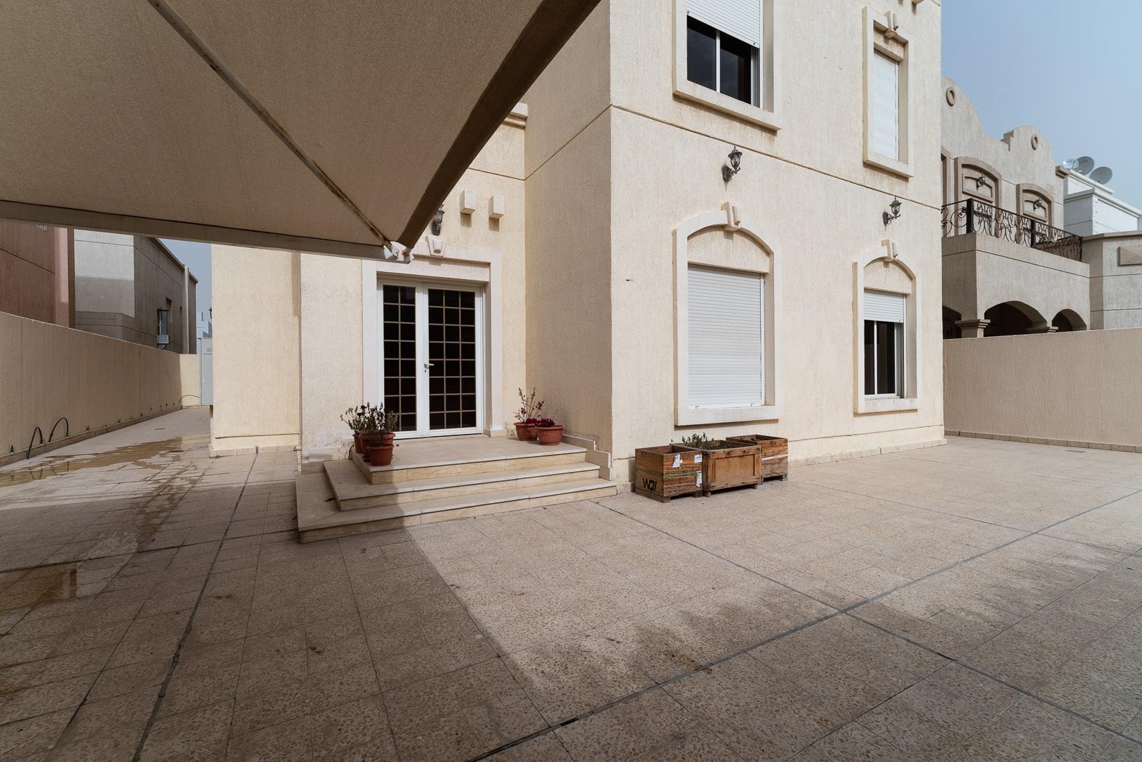 Egaila – spacious, unfurnished villa w/large yard