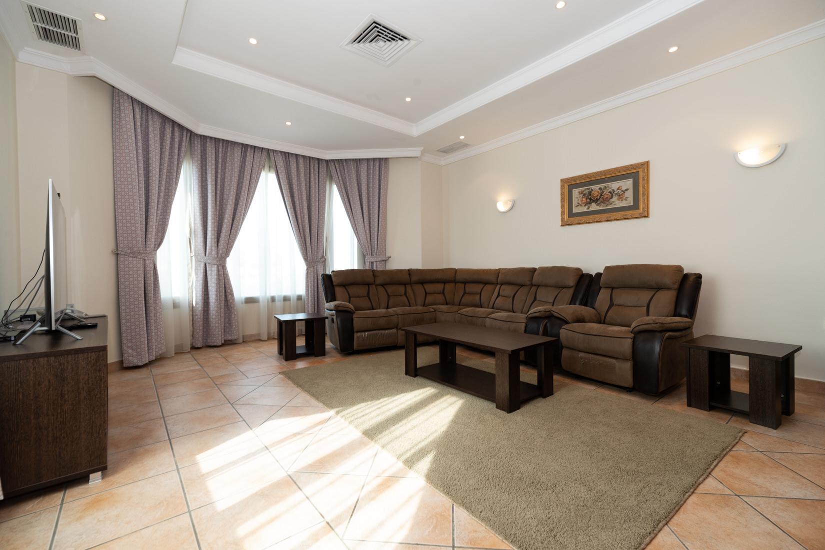 Salwa – spacious, furnished three bedroom apartment w/pool
