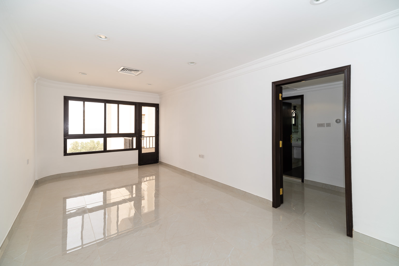 Shaab – rennovated, two bedroom apartment w/sea view