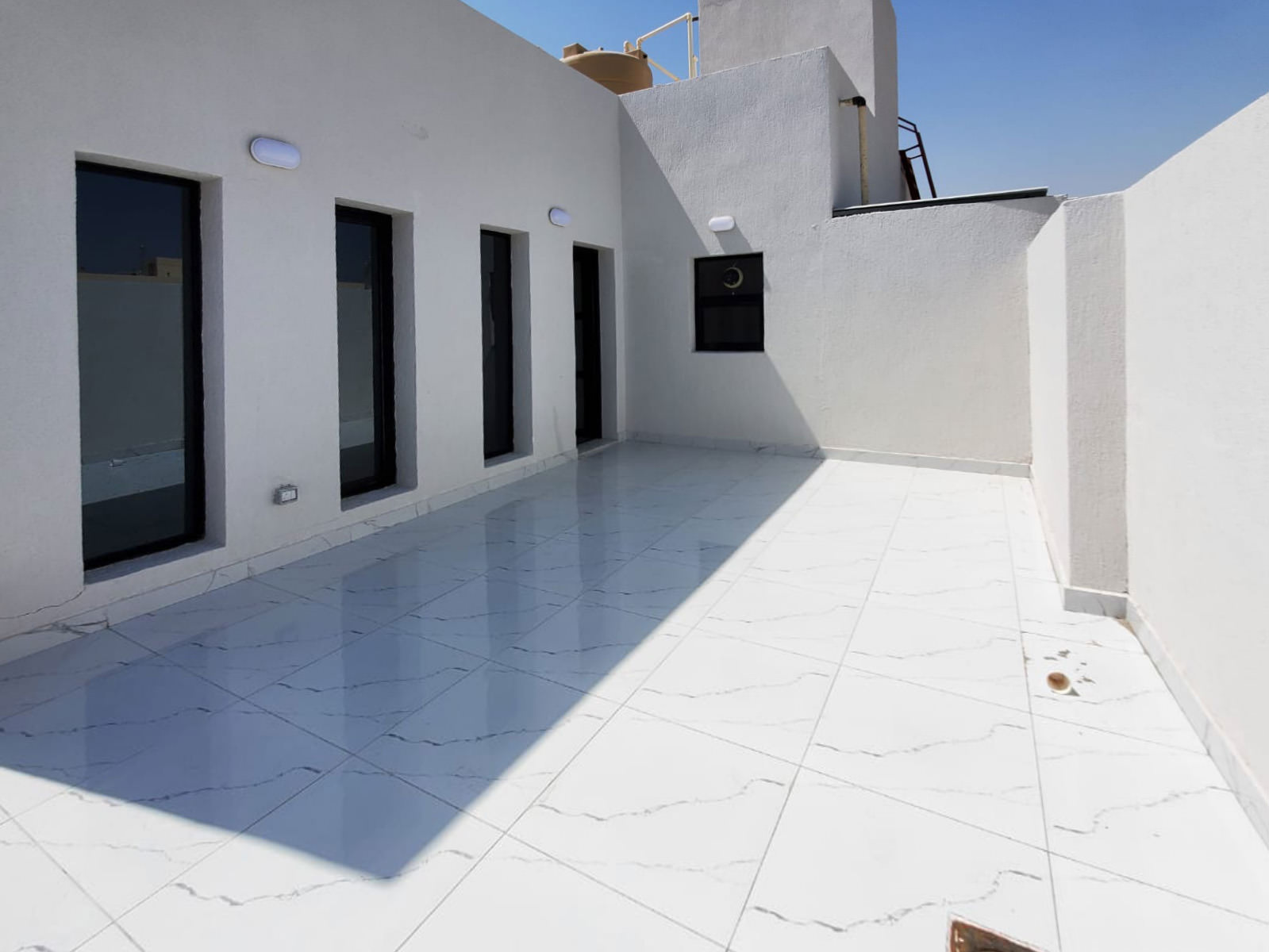 Andalous – unfurnished, two bedroom apartment w/terrace