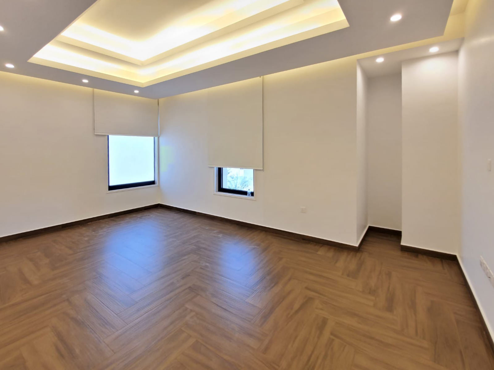 Hateen – large, unfurnished three bedroom apartment