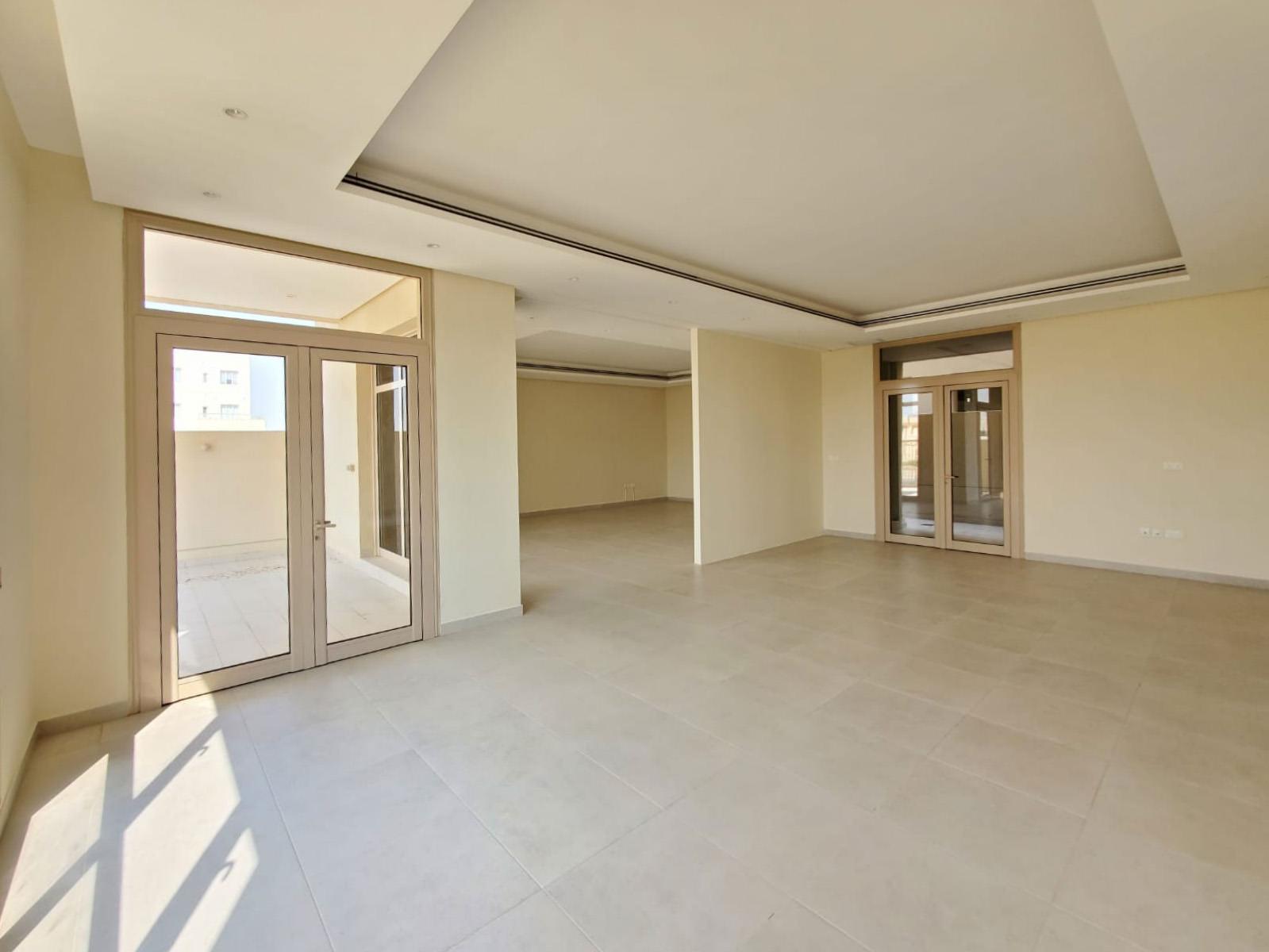 Siddeeq – unfurnished, 5 master bedroom villa w/garden