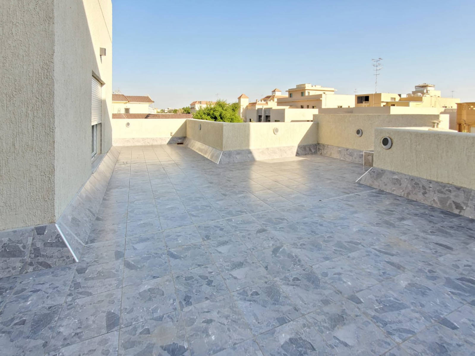 Yarmouk – new, unfurnished, five bedroom villa w/pool