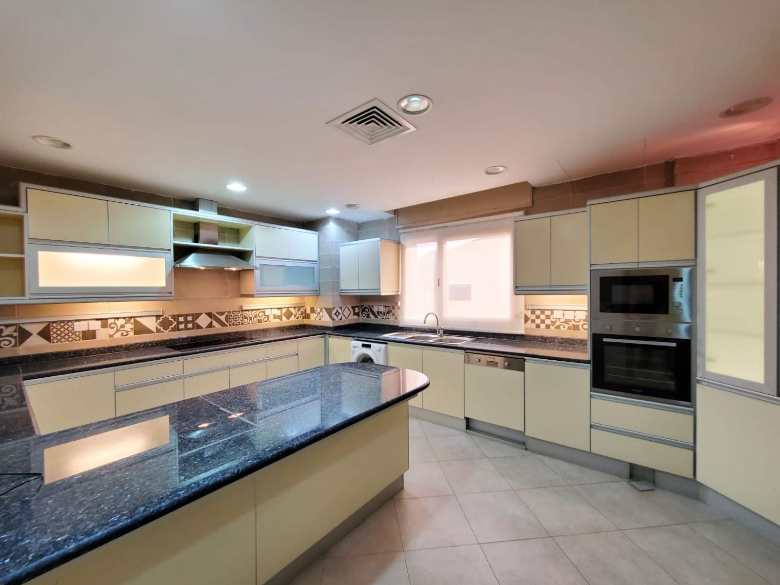 Bida – spacious, four master bedroom floors w/pool
