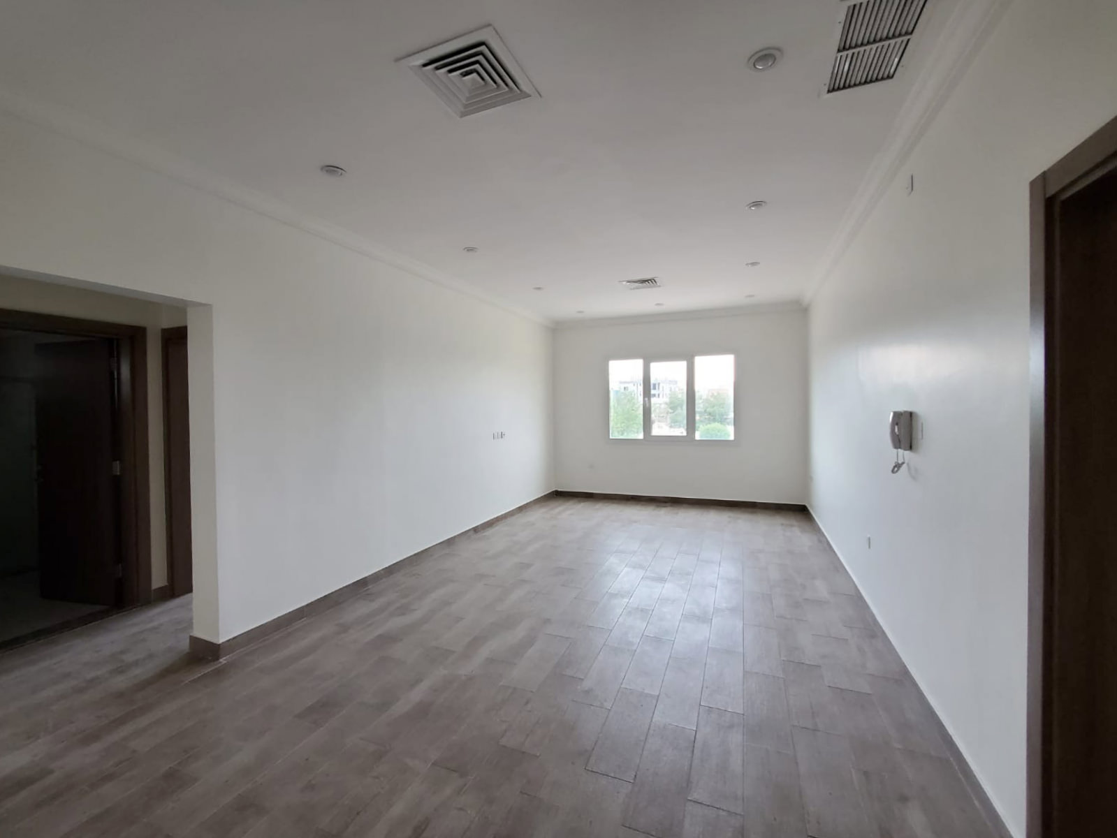 Fnaitees – unfurnished three bedroom apartments