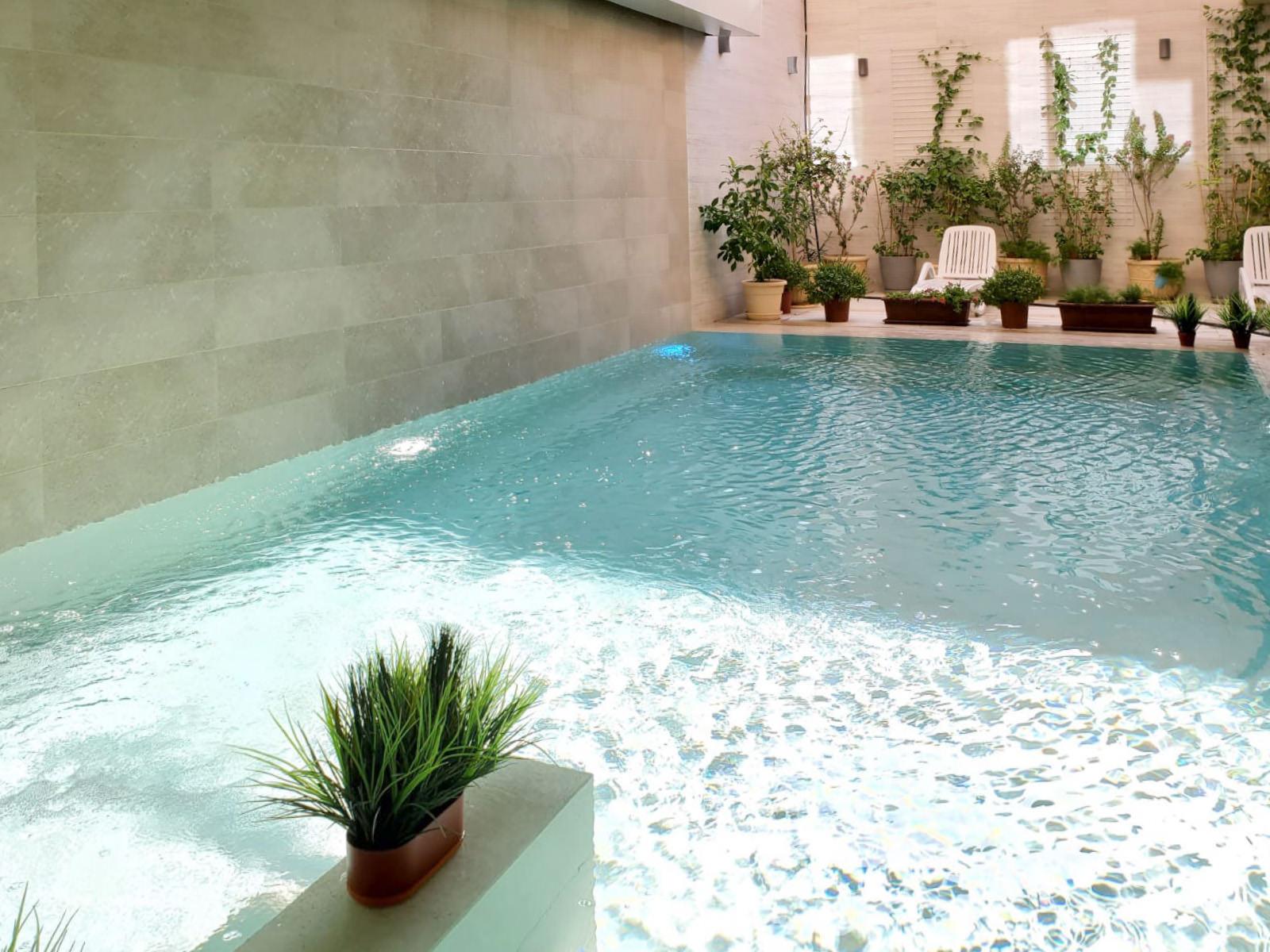 Bayan – new, spacious floors w/common s.pool