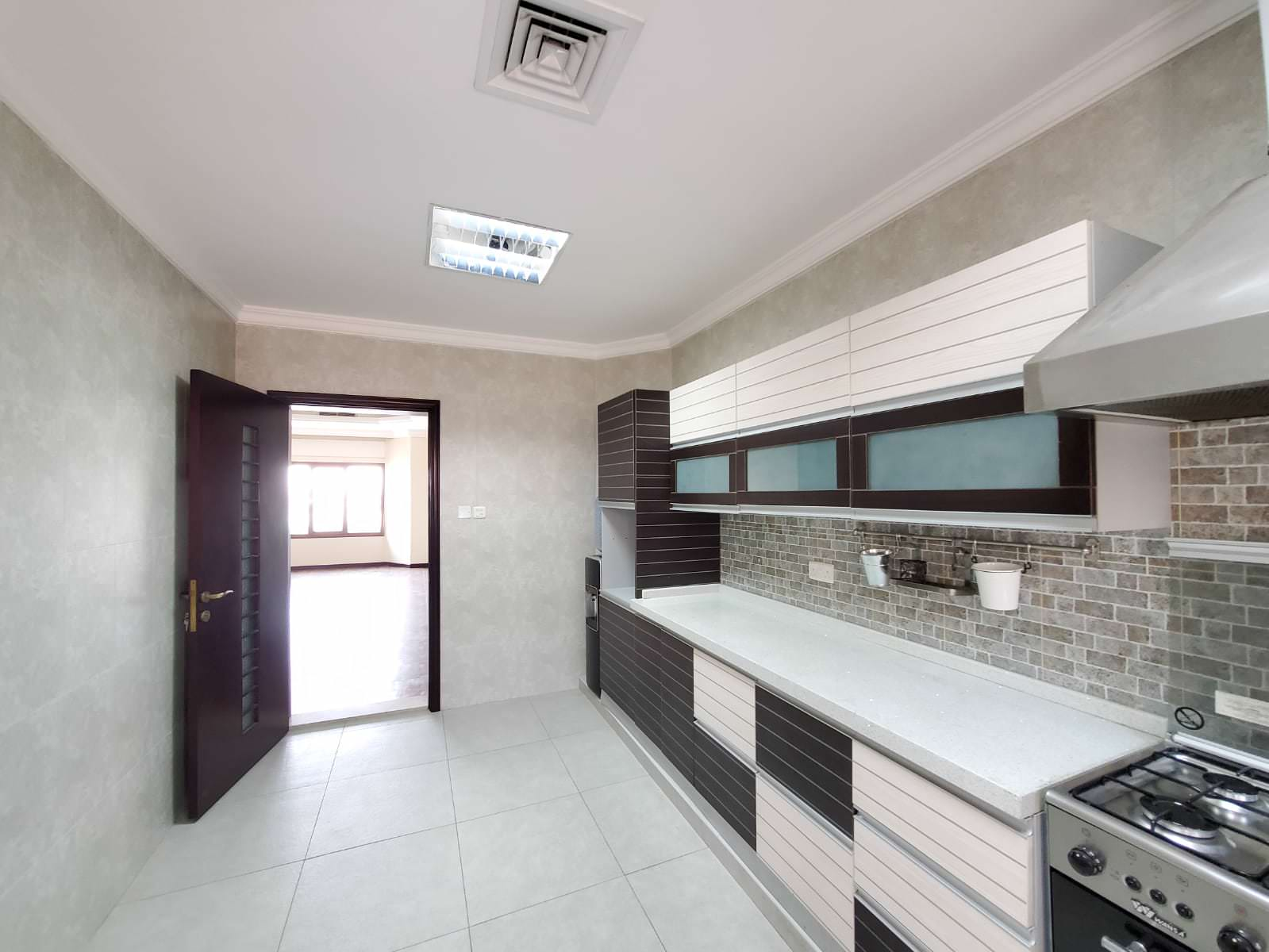 Jabriya – unfurnished, three bedroom apartment w/maid's room