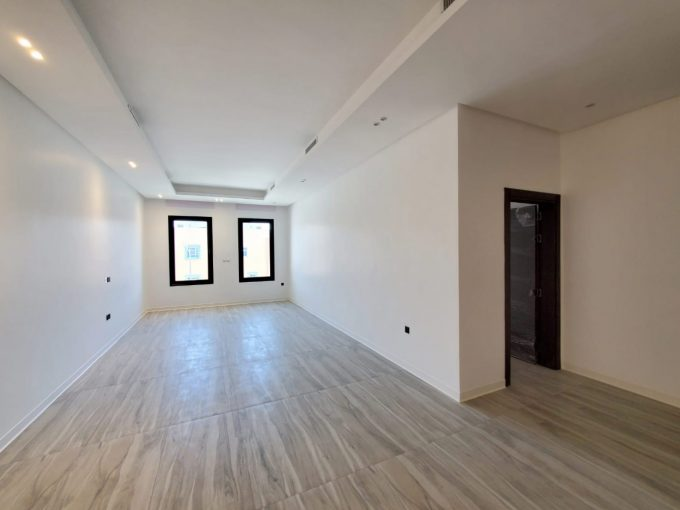 Shaab – new, three master bedroom apartment