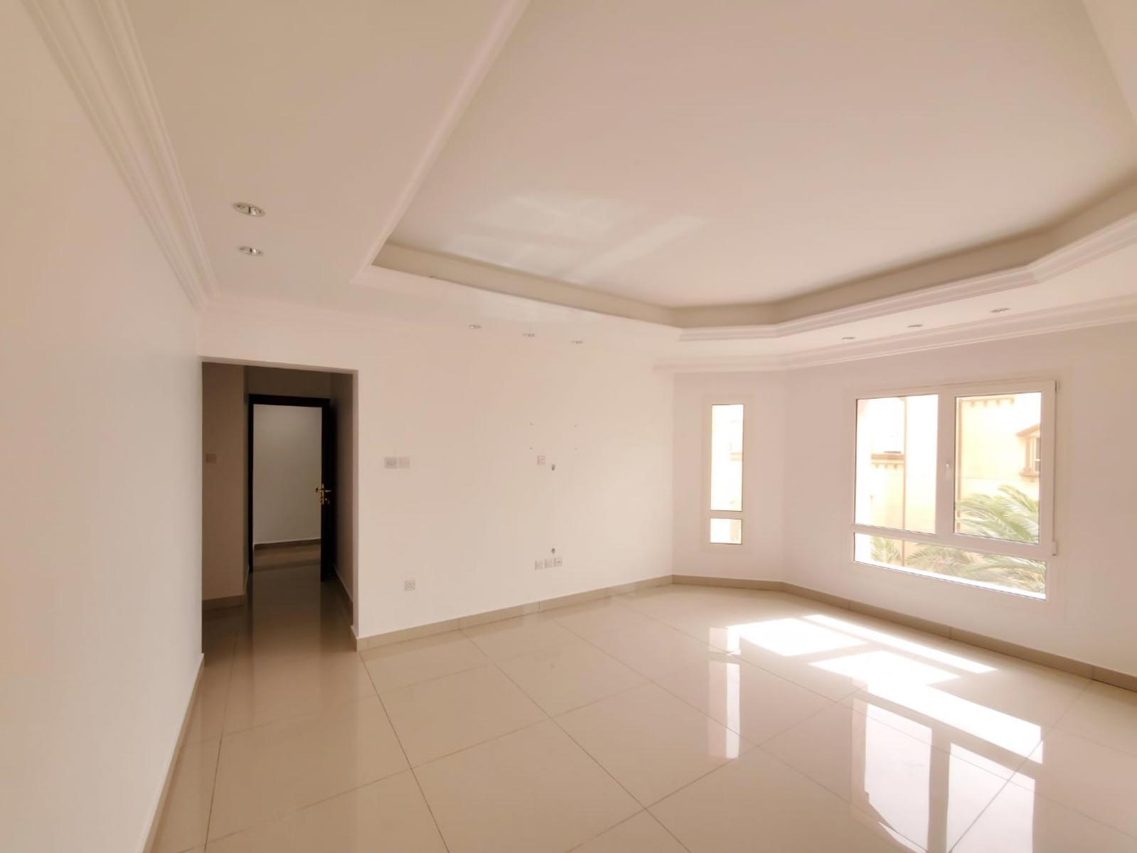 Bayan – sunny, unfurnished three bedroom floor