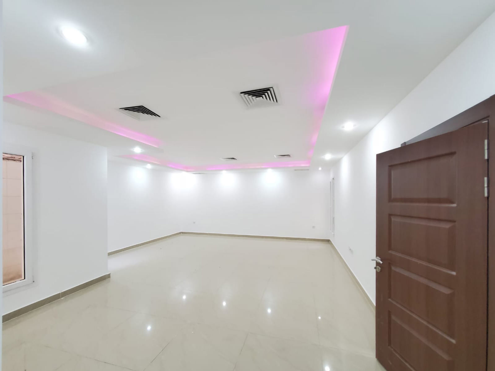 Qadsiya – spacious, two master bedroom ground floor apartment
