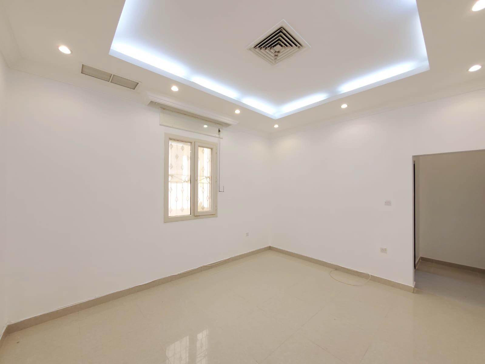Sabahiya – unfurnished, three bedroom apartment