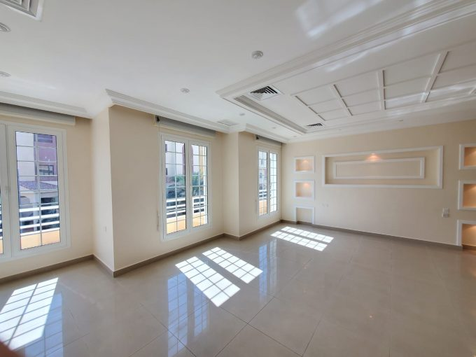 Shuhada – spacious, four bedroom floor w/balcony
