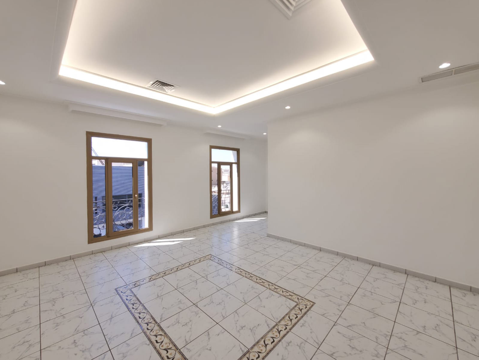 Yarmouk – unfurnished, four bedroom floor