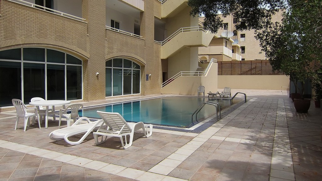 Shaab – furnished three bedroom  apartment w/pool