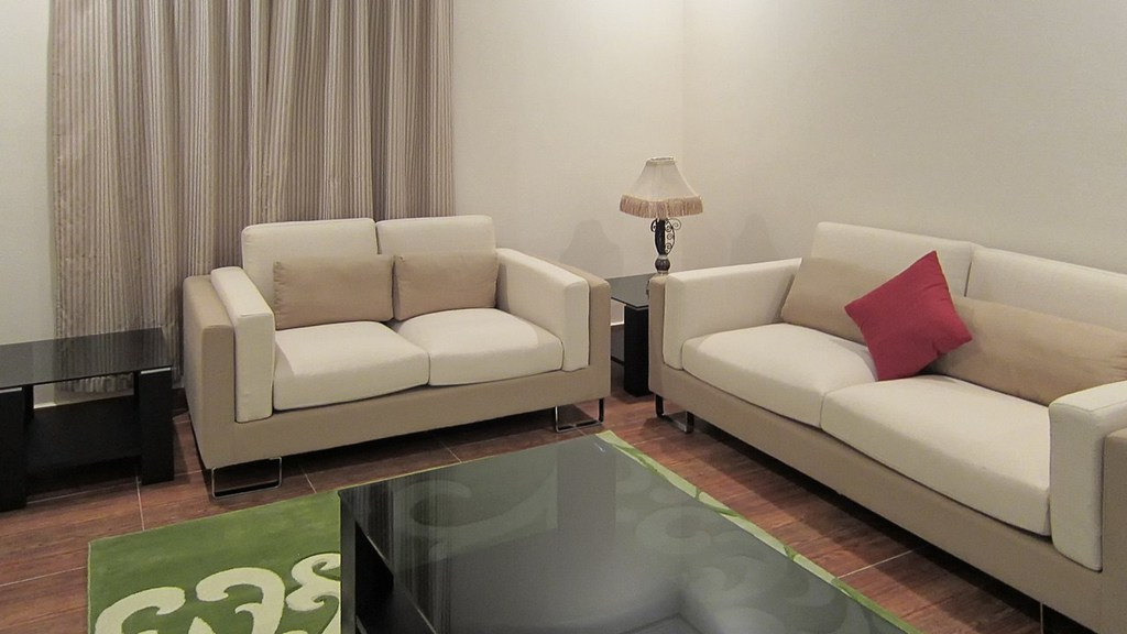 Fintas – furnished, one bedroom apartment w/roof access