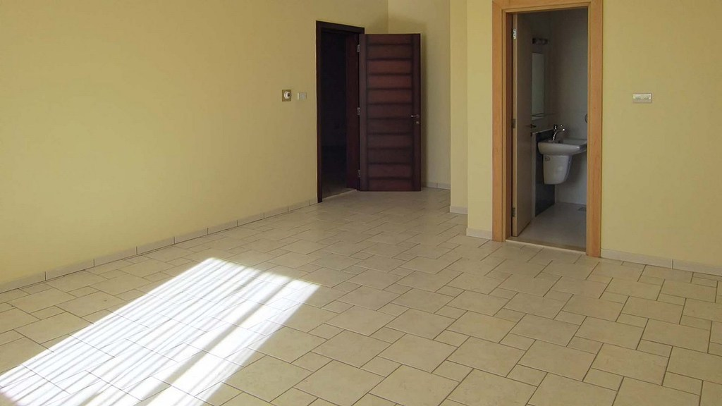 Mangaf – unfurnished, six bedroom villa w/elevator