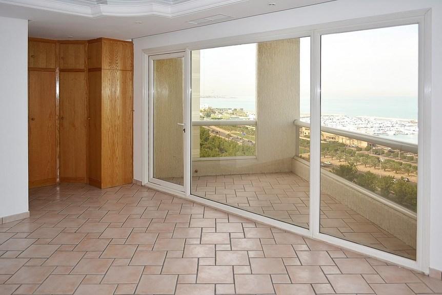 Salmiya – two bedroom duplex w/balconies and sea view