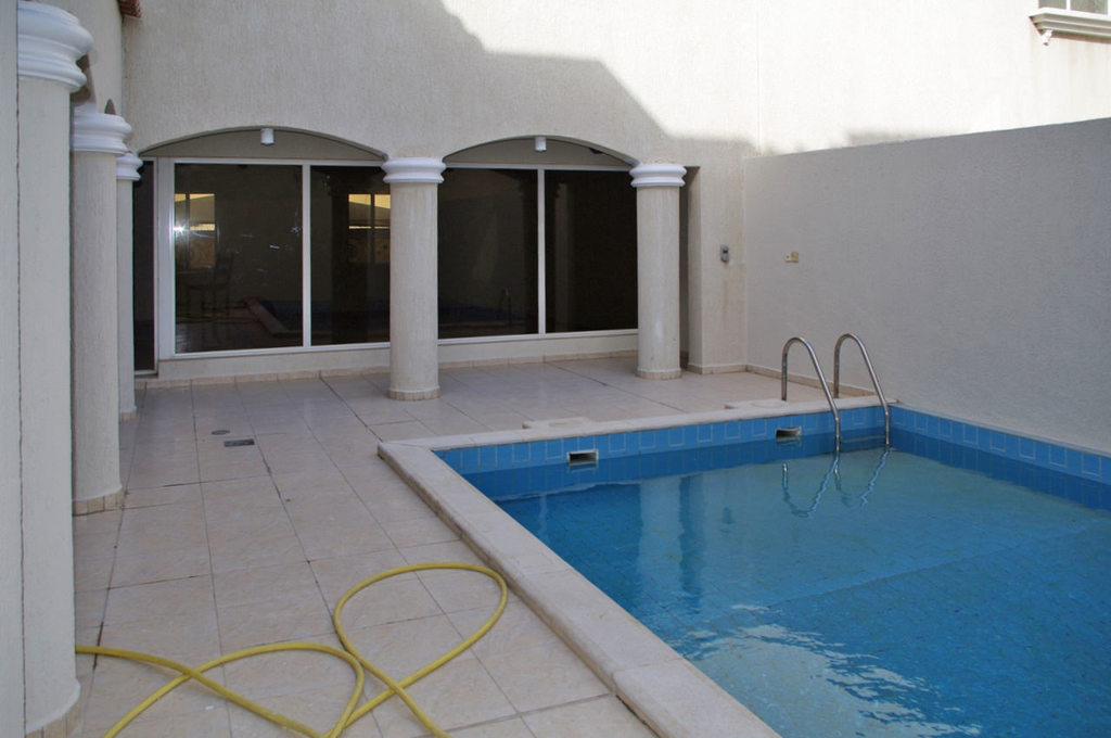 Salwa – unfurnished, four bedroom villa w/pool