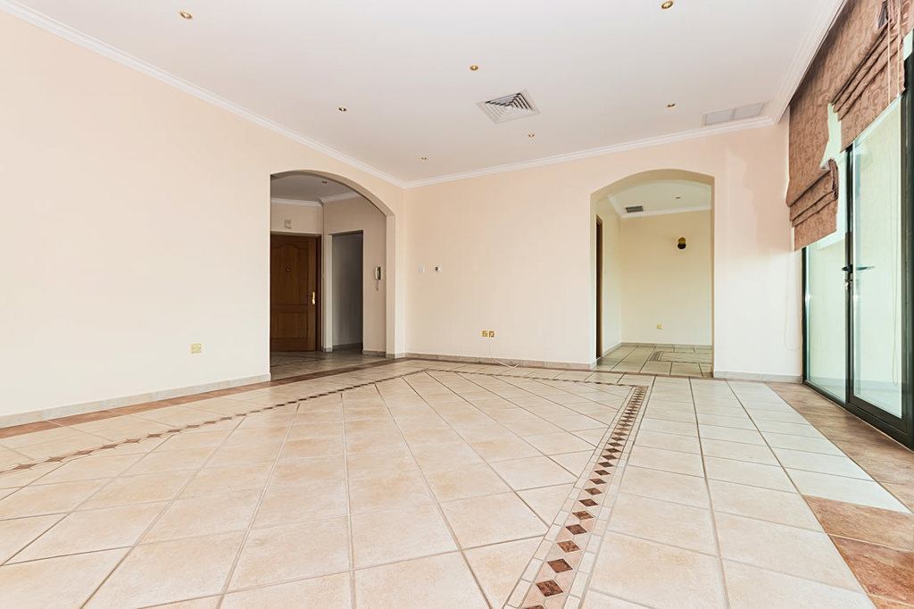 Salmiya – unfurnished, three bedroom apartment w/sea view