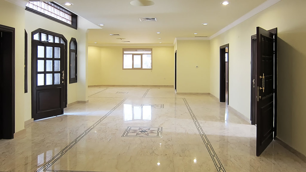 Mansouriya – unfurnished, eight bedroom villa with city views