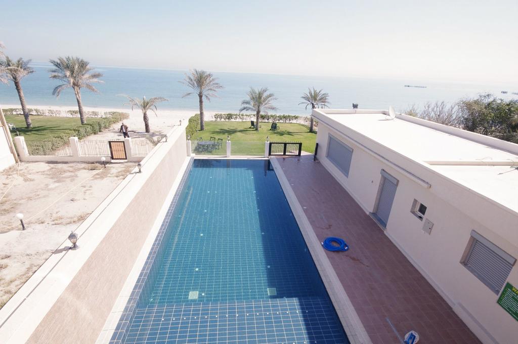 Abu Hasania – three bedroom apartment w/pool near the beach