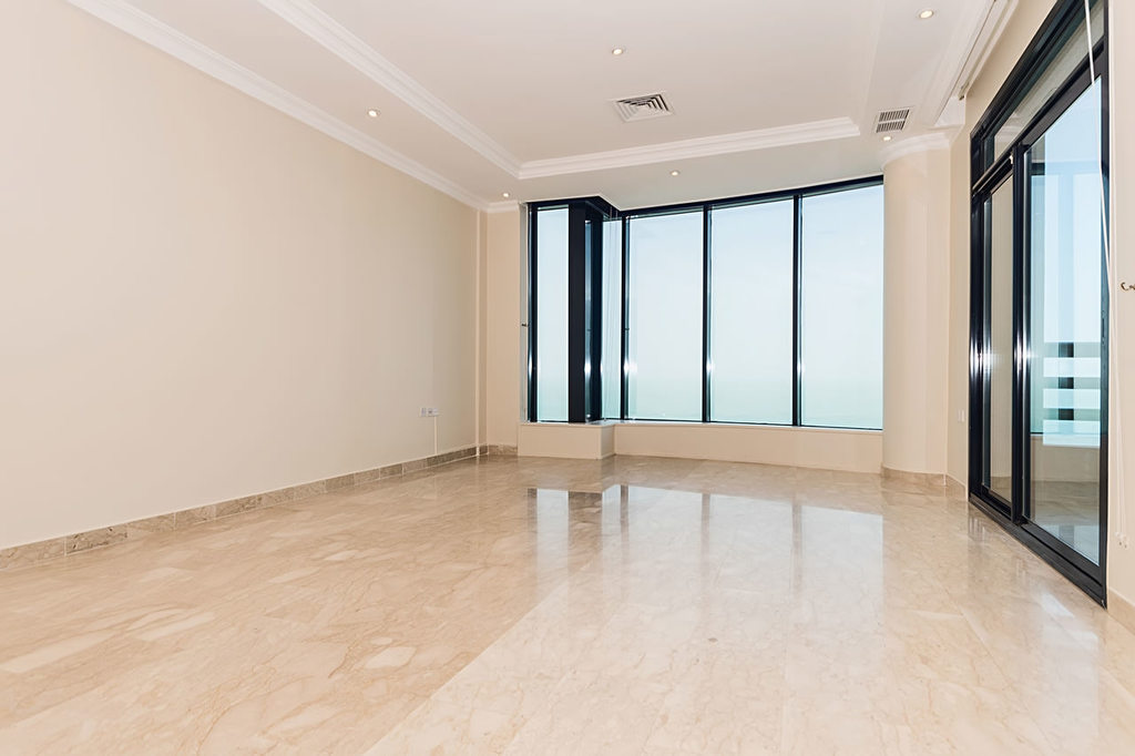 Salmiya – three bedroom sea view apartment