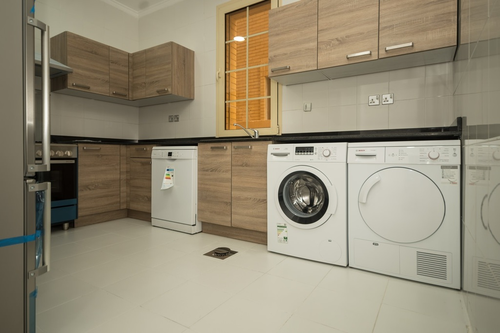 Salwa – great, unfurnished three master bedroom apartment