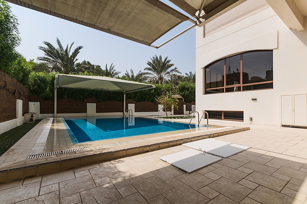 Mishref – lovely, spacious, unfurnished villa suitable for an embassy