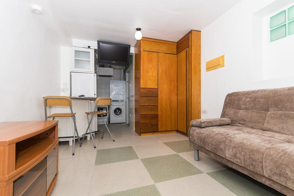Dasma small furnished studio apartment horizon q8 for Furnished studio apartments