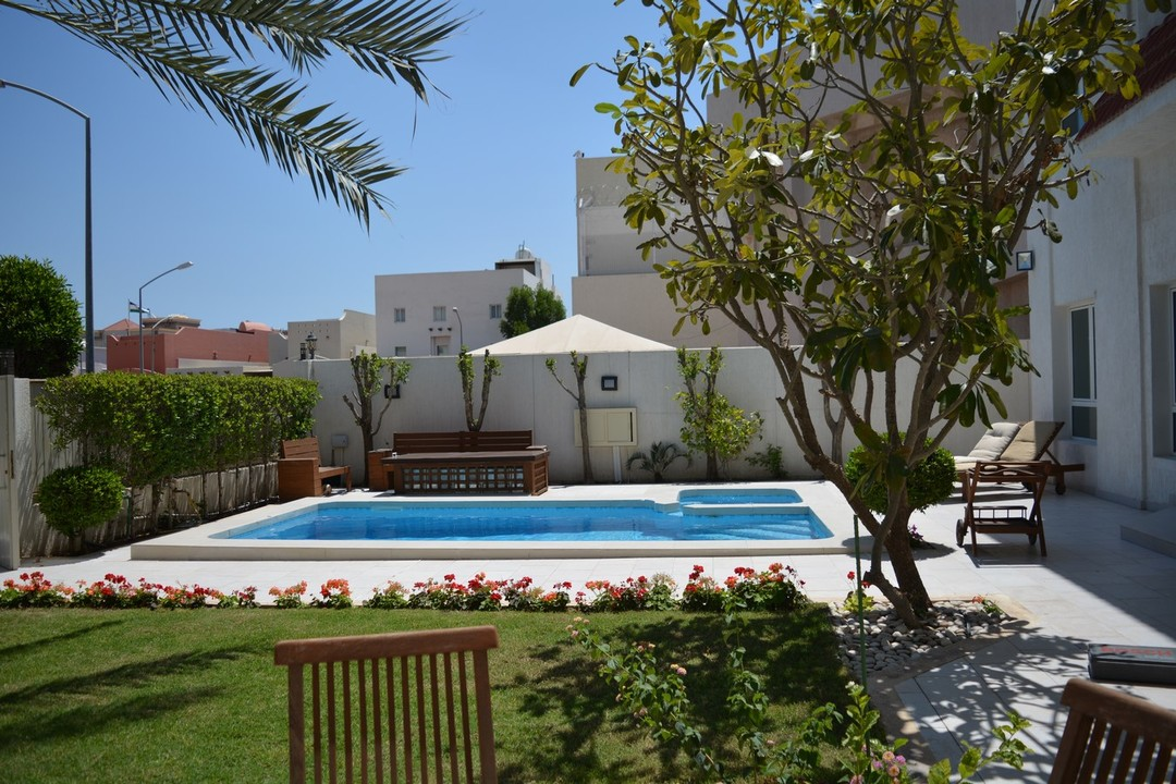 West Mishref – fantastic, five bedroom villa w/private pool