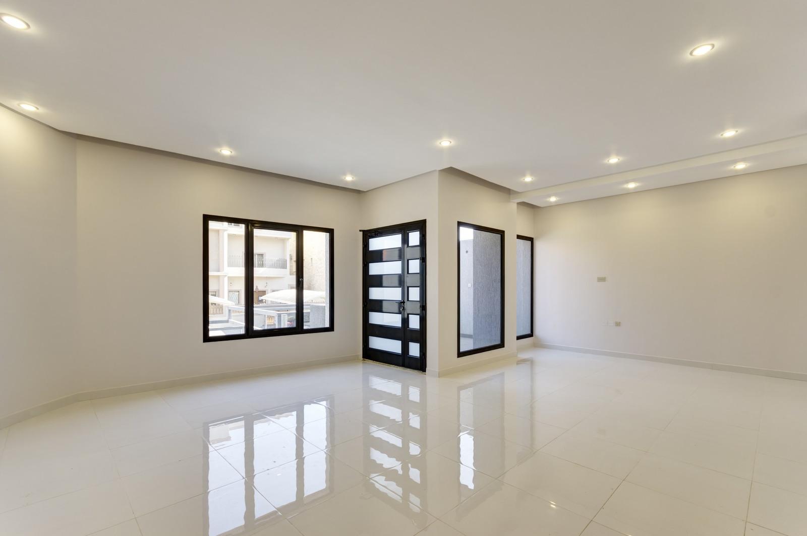 Al Shuhada – brand new, four bedroom floor w/pool