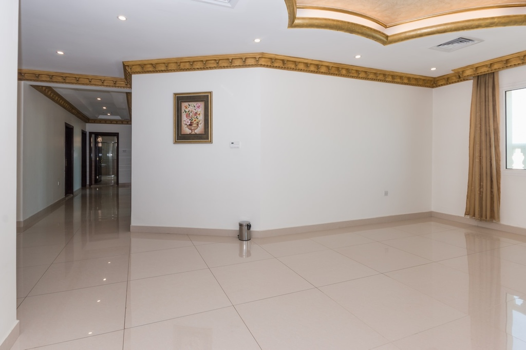 Rumathiya – very nice, unfurnished, four bedroom floor