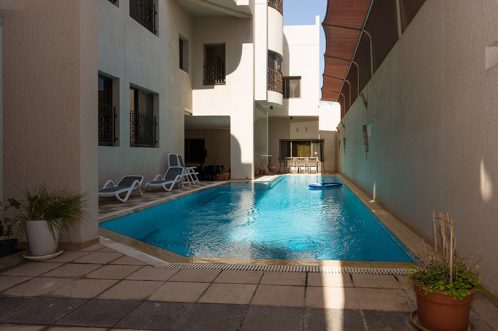 Salwa – unfurnished, compound villa w/common pool