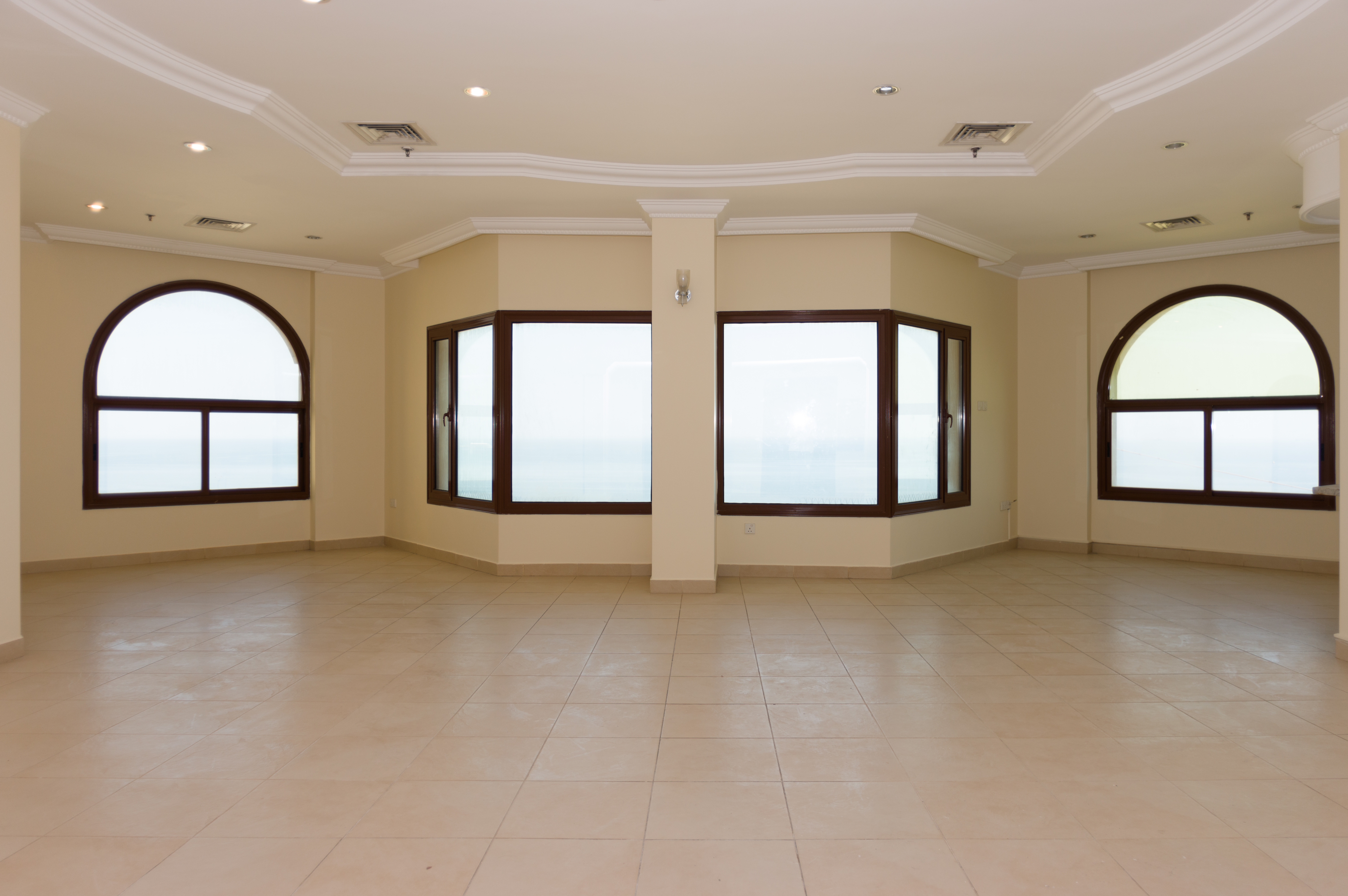 Mangaf – unfurnished, three bedroom floor w/sea view