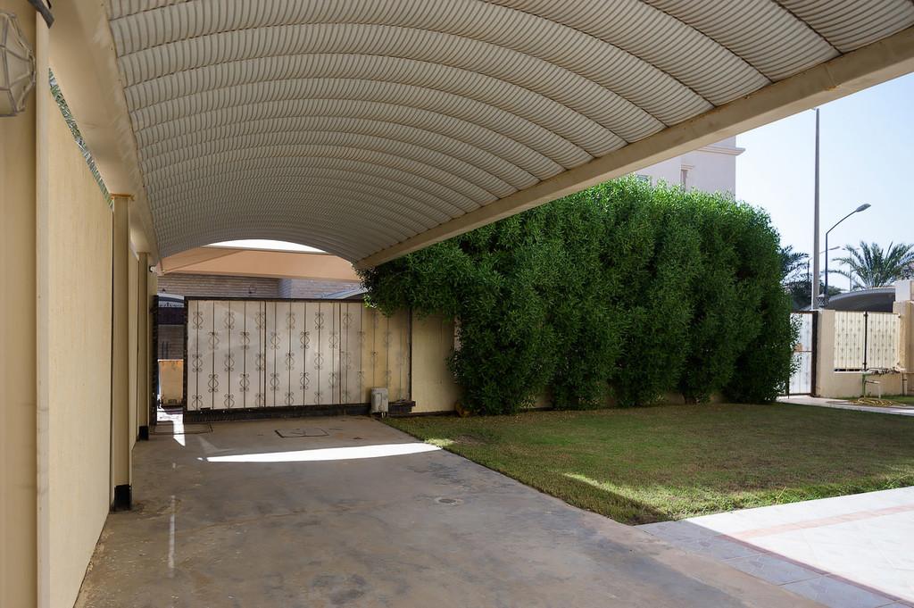 West Mishref – large, unfurnished, five bedroom villa w/garden
