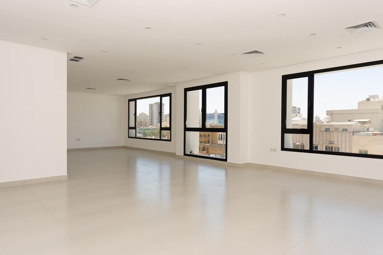 Qadsiya – lovely, unfurnished, four bedroom floor