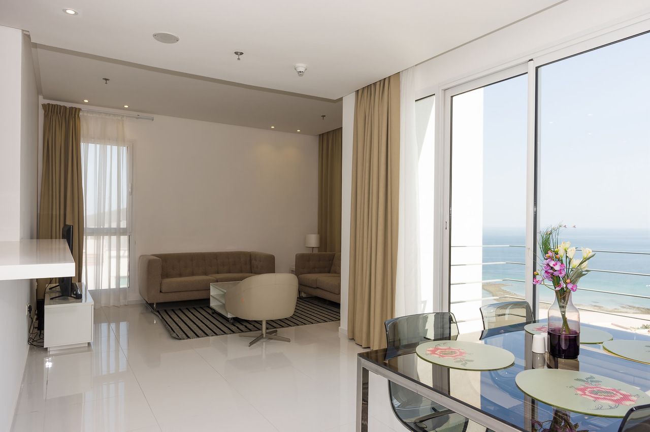 Salmiya – great, new, furnished apartments w/splendid views