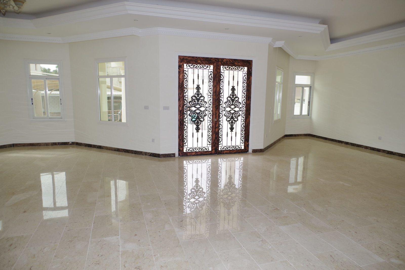 Abu Al Hasania – lovely, spacious, unfurnished, three bedroom floor