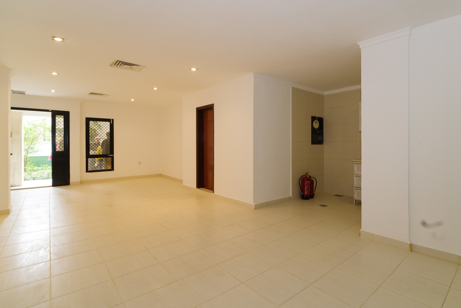 jabriya large unfurnished one bedroom apartment w