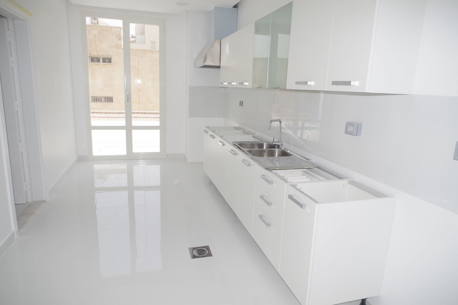 Shaab – large, unfurnished, four bedroom floors