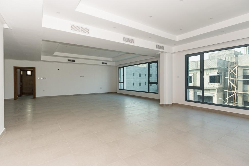 Abu Fatira – spacious, four bedroom floors