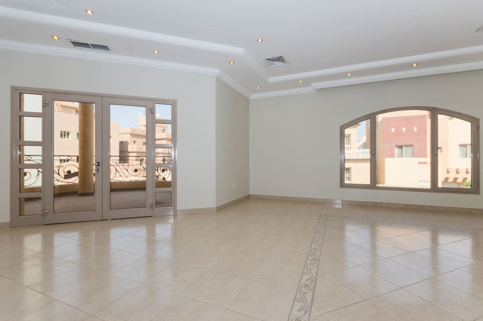 Shuhada – very nice, large, three bedroom floor w/balcony
