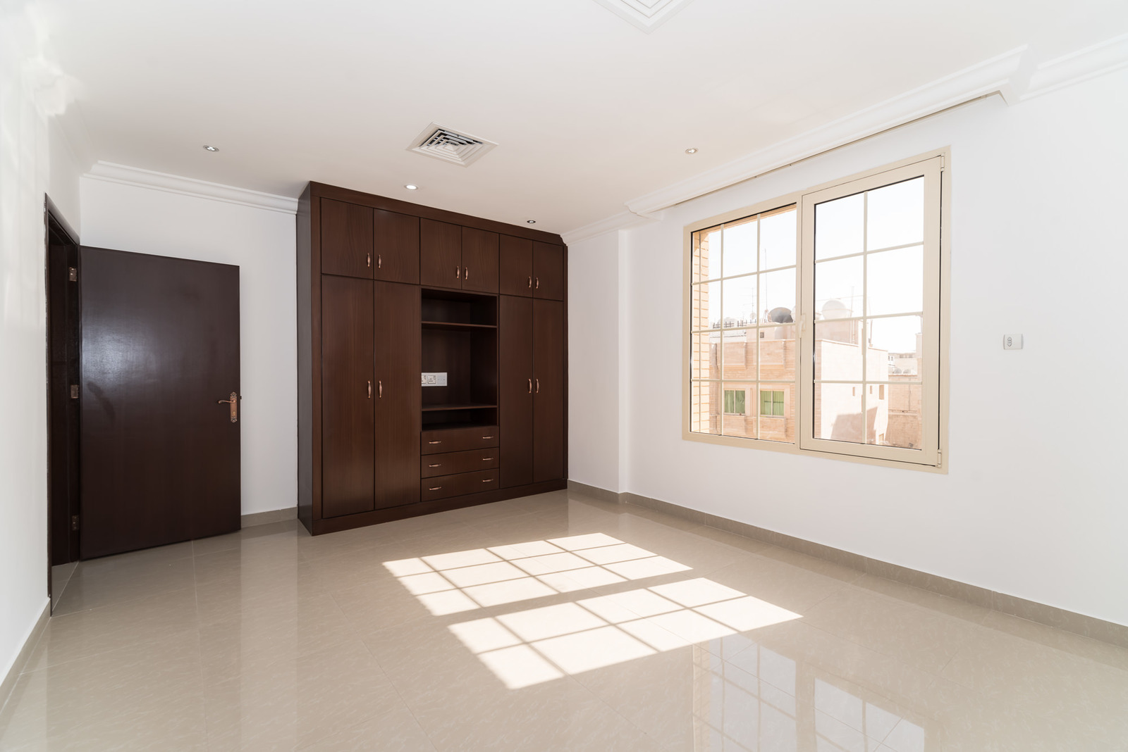Salwa – great, unfurnished three master bedroom apartment