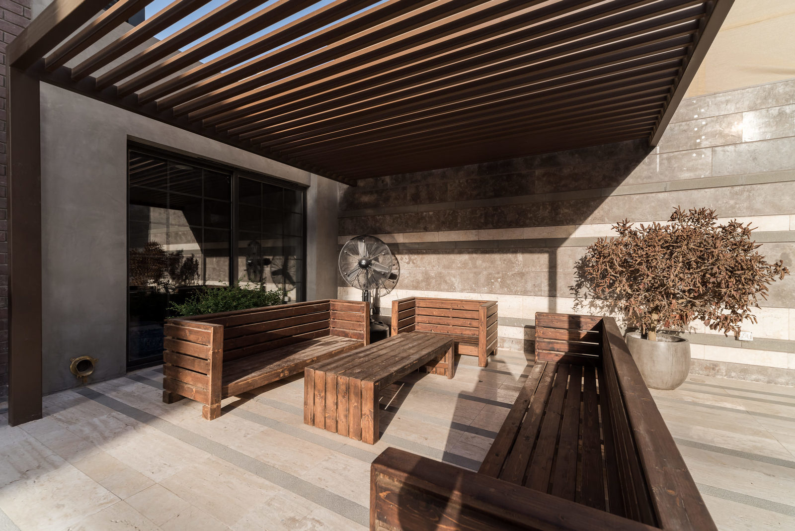 Bneid Al Gar – exclusive, furnished, one bedroom apartments w/facilities